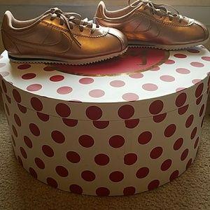 FINAL$$NIB Nike Cortez Metallic Rose Gold Sneakers